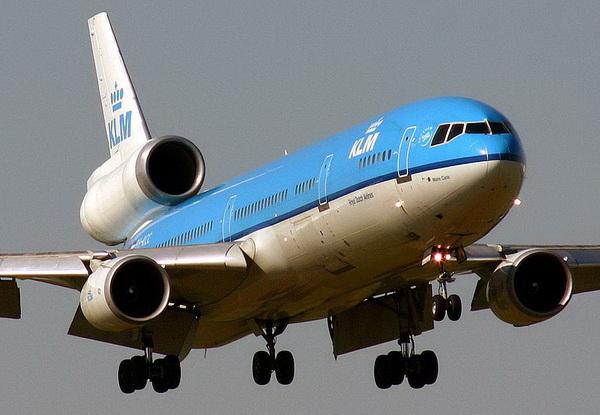 Douglas MD-11