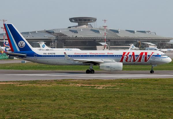 Tupolev Tu-204-100